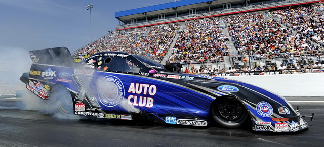 NHRA_Hight-burnout640_CLT1
