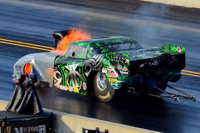 Texas racer Brandon Pesz banged the blower just as he crossed the eighth-mile finish line in round one of Pro Extreme qualifying, but still placed 13th with a 3.798-seconds pass at 193.80 mph.